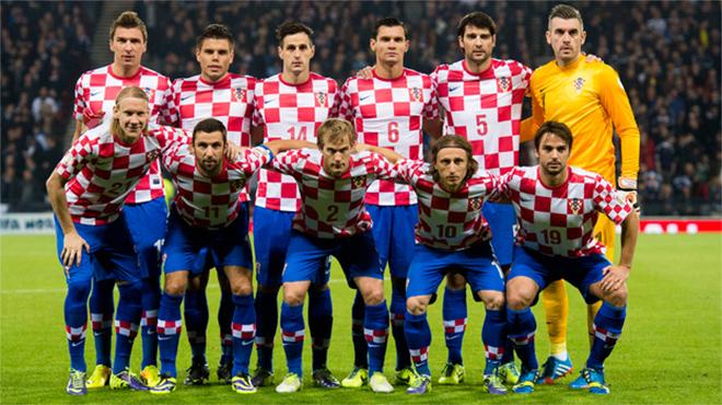 ao-thi-dau-doi-tuyen-croatia-euro-2016-san-nha
