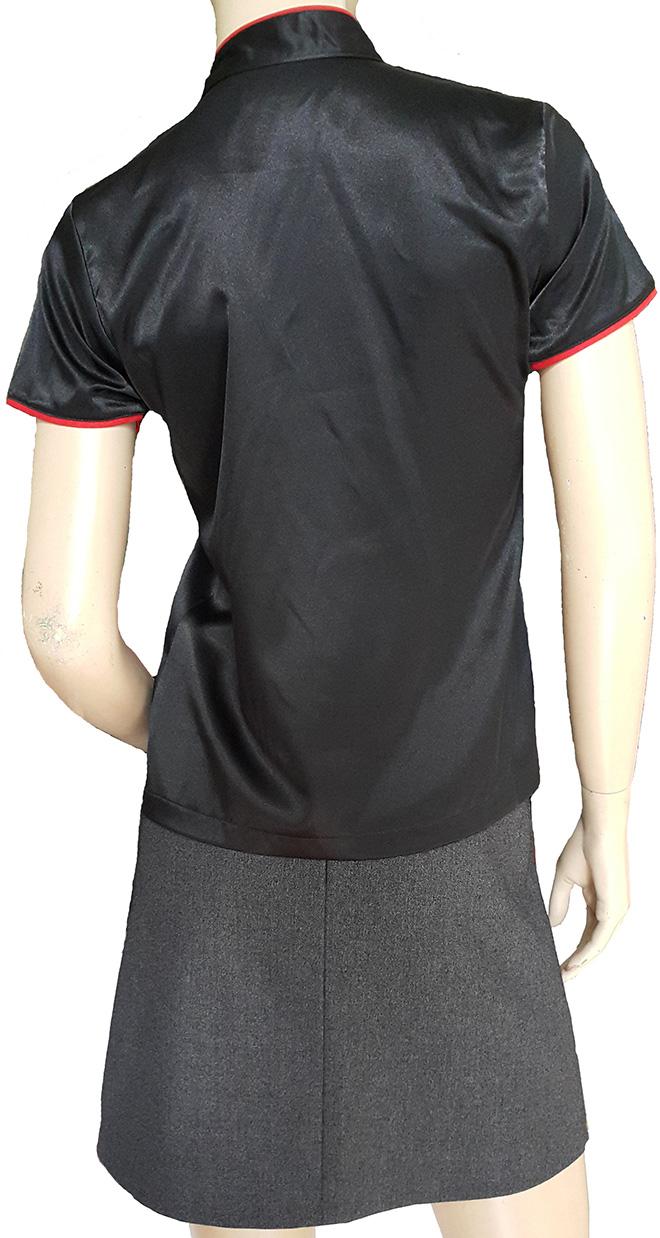 Hình ảnh mặt sau của áo đồng phục Bếp MONGKOK dành cho nữ.