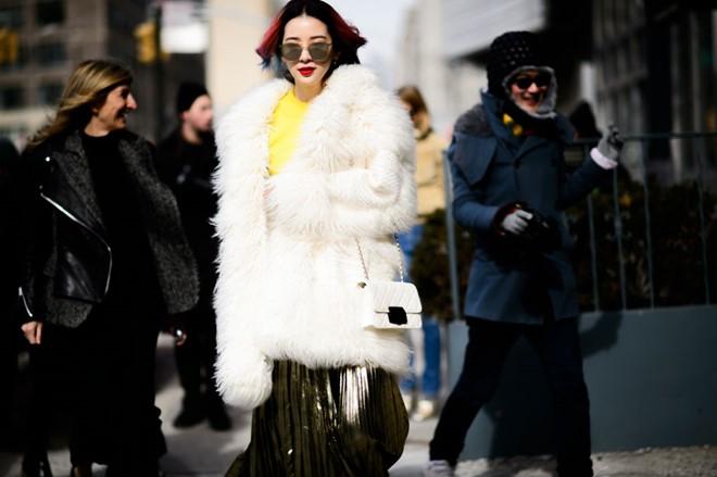 Áo khoác lông phủ sóng trên các đưởng phố New York - Hình 2
