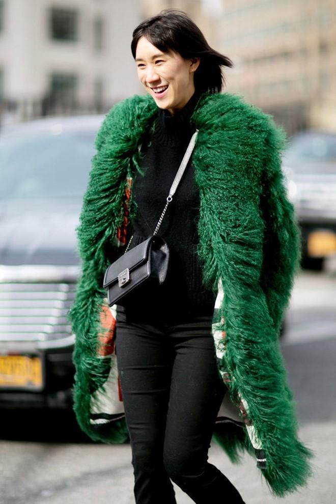 Áo khoác lông phủ sóng trên các đưởng phố New York - Hình 7