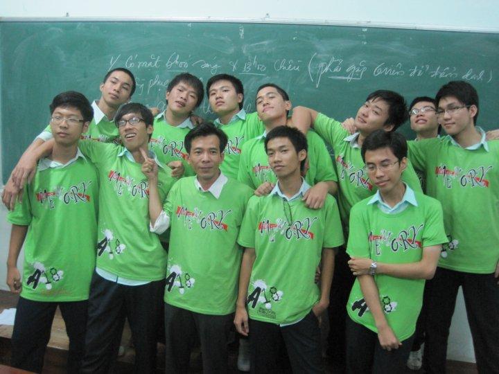 Áo lớp 12a18 Trương Vĩnh Ký 2016-2017