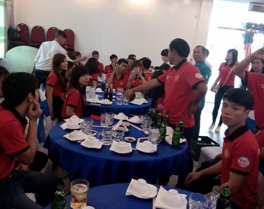 May áo thun nhóm Manucians - fanclub Mu Bình Dương