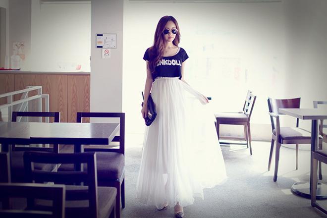 Chân váy maxi là sự lựa chọn thật hoàn hảo cho các cô nàng thích sự dịu dàng và ngọt ngào.