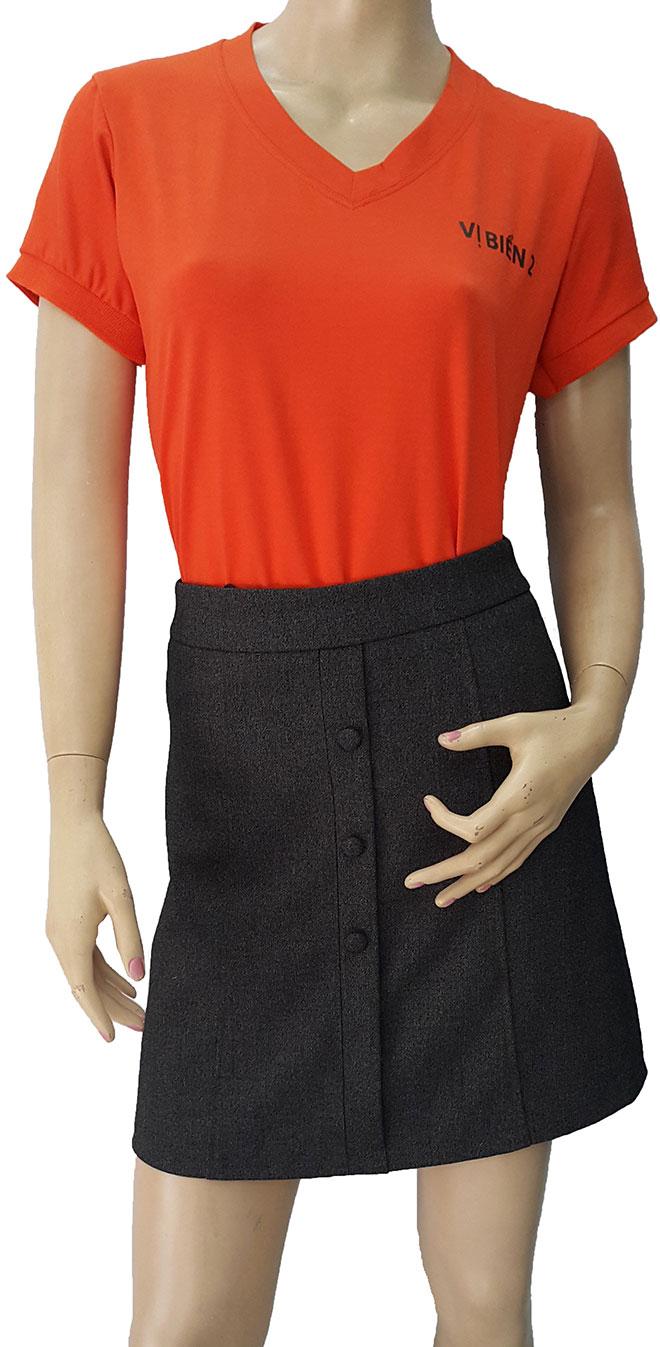 Mẫu áo thun đồng phục cổ tim Vị Biển với kiểu dáng thời trang cùng chất liệu vải thun thấm hút mồ hôi tốt.