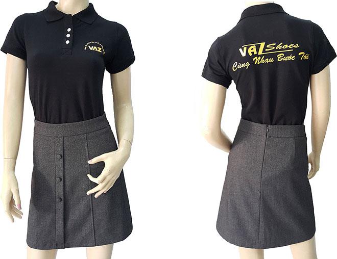 Mẫu áo thun đồng phục của công ty giày VAZ đã may thành phẩm.
