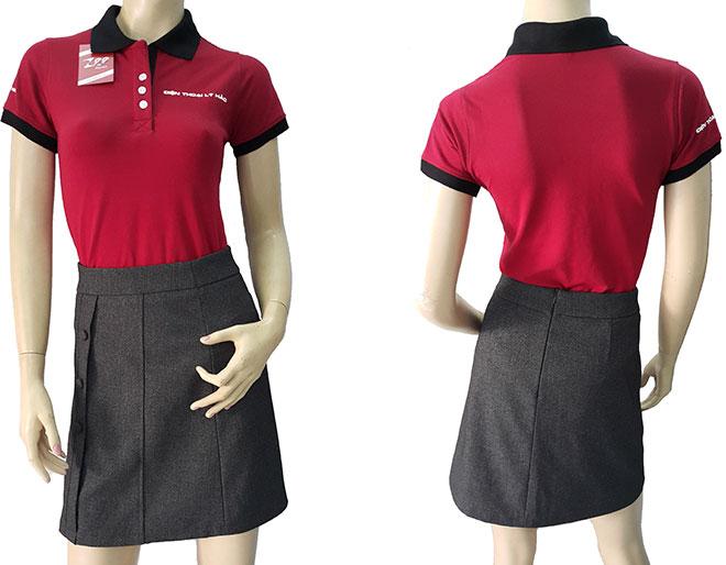 áo thun đồng phục của tiệm điện thoại Lý Hảo đã may thành phẩm.