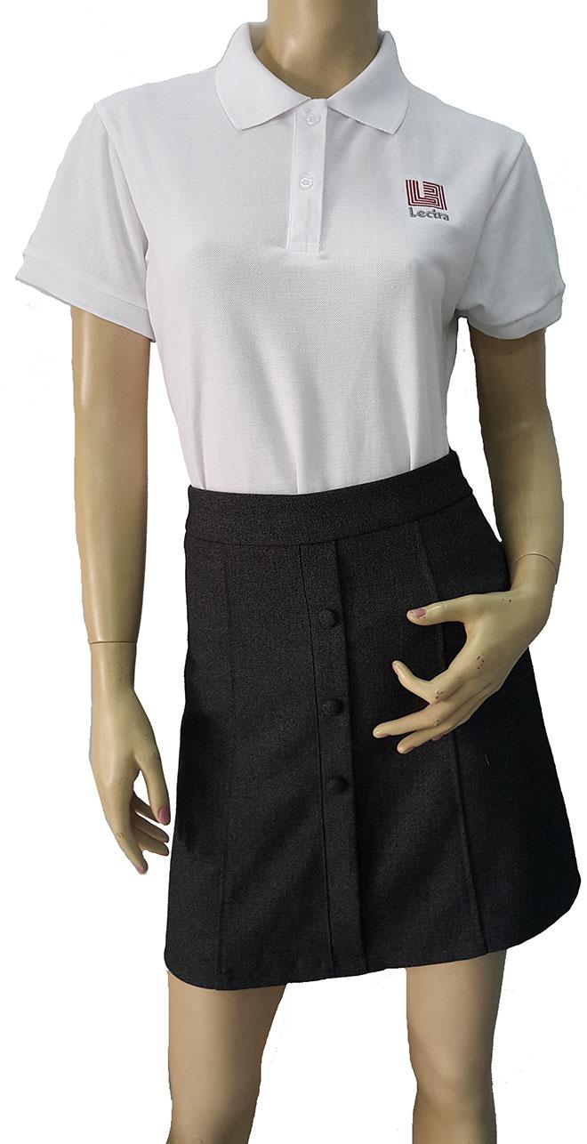 Hình ảnh mặt trước của áo thun đồng phục Lectra mẫu màu trắng.