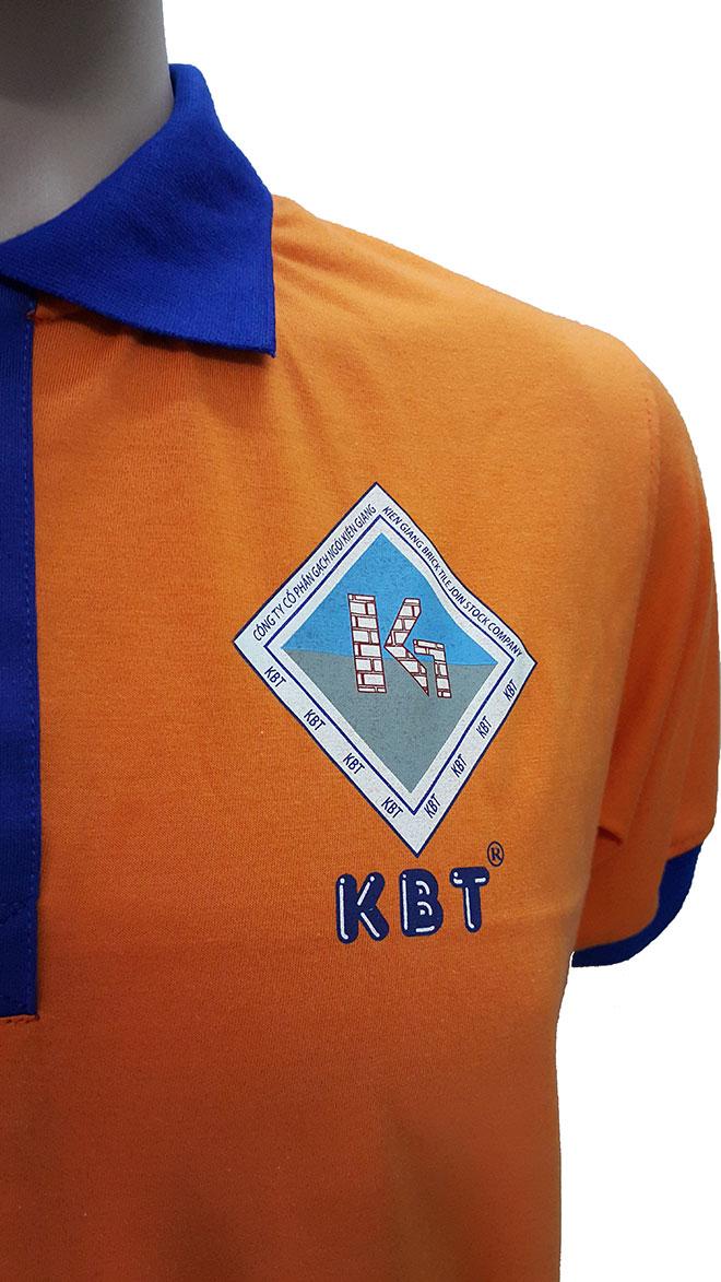 In logo 4 cm ngực trái trên áo thun đồng phục công nhân Gạch Ngói Kiên Giang.