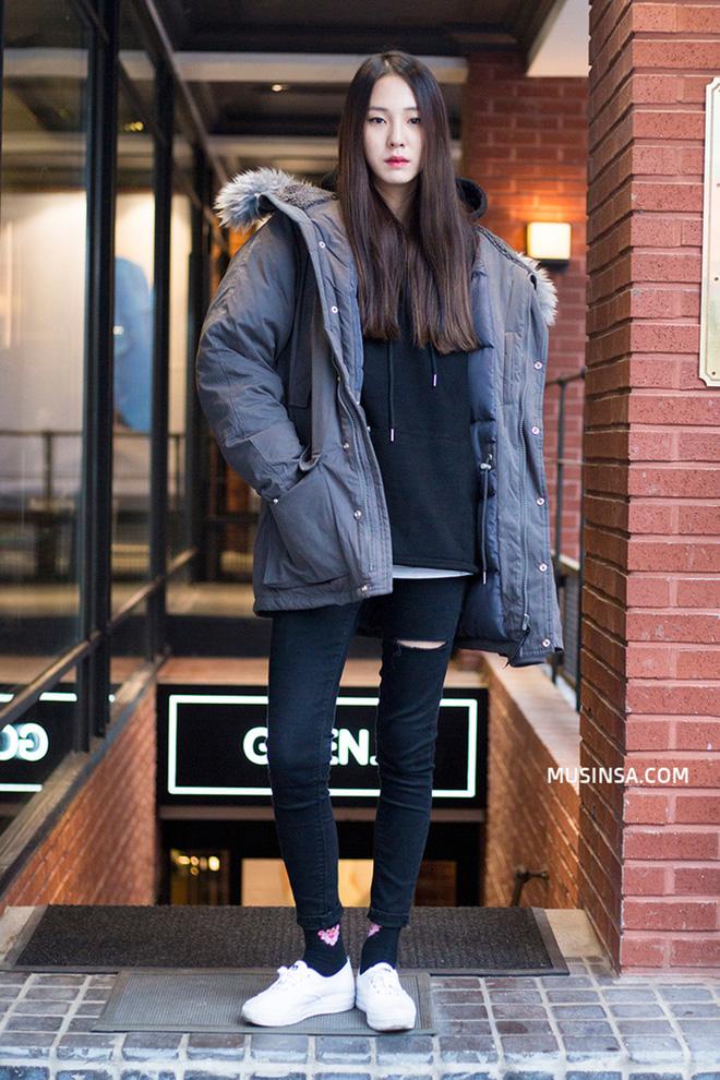 Cách phối áo khoác vừa đẹp vừa ấm áp của giới trẻ trên thế giới - hình 4 - zeeuni.com