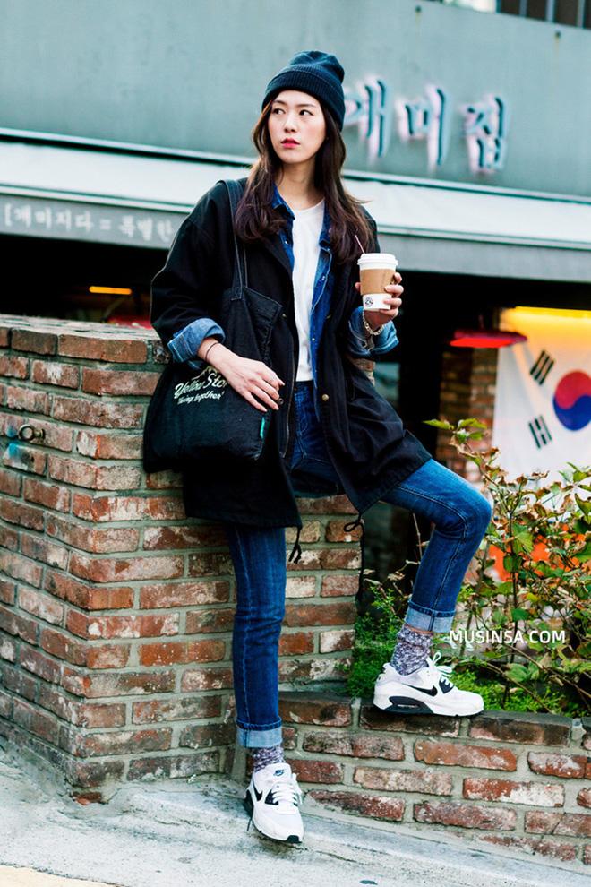 Cách phối áo khoác vừa đẹp vừa ấm áp của giới trẻ trên thế giới - hình 1 - zeeuni.com