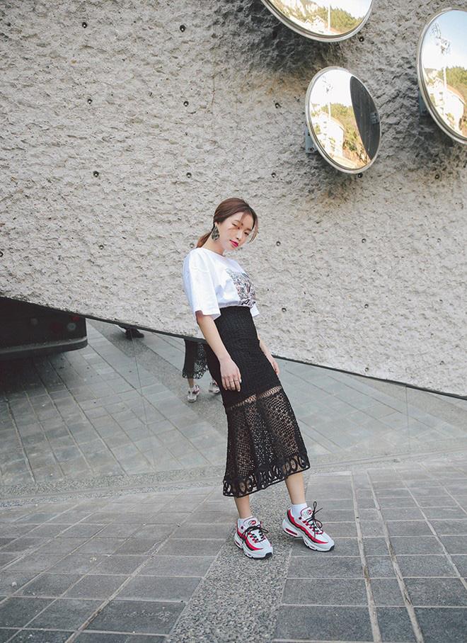 Cách phối áo thun trẻ trung năng động - hình 4 -zeeuni.com
