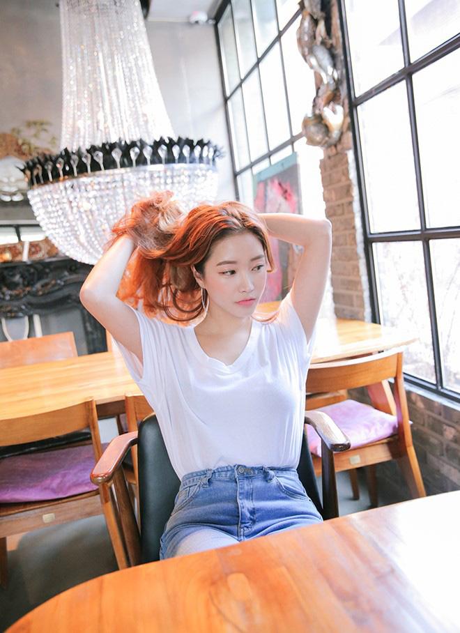 Cách phối áo thun trẻ trung năng động - hình 5 -zeeuni.com