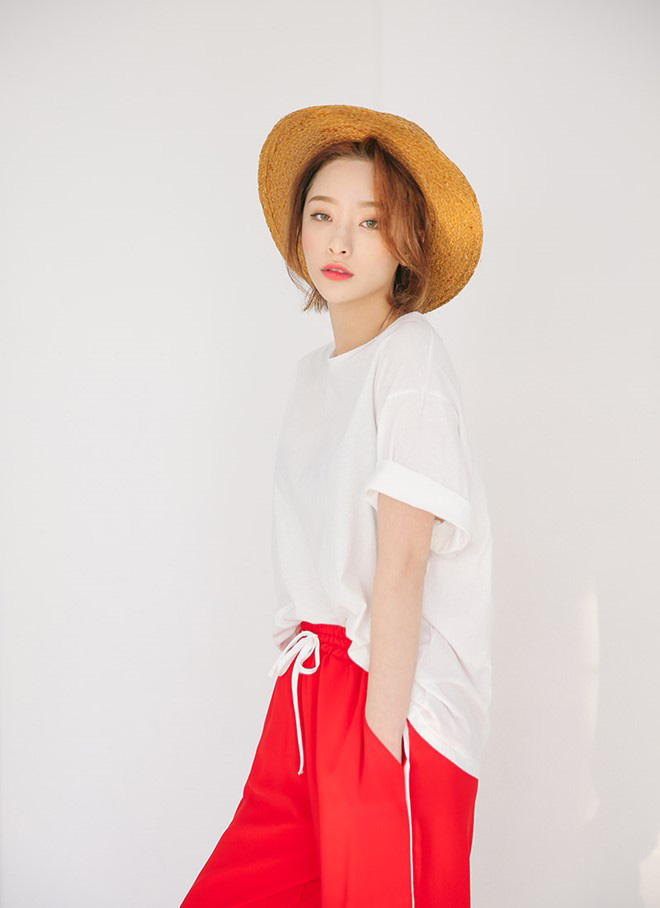 Cách phối áo thun trẻ trung năng động - hình 8 -zeeuni.com