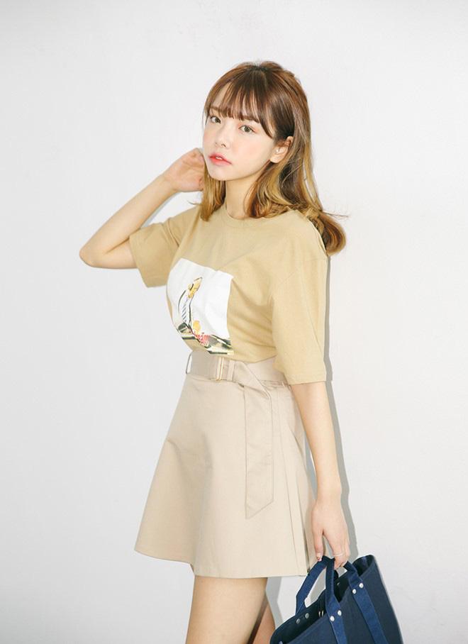 Cách phối áo thun trẻ trung năng động - hình 1 -zeeuni.com