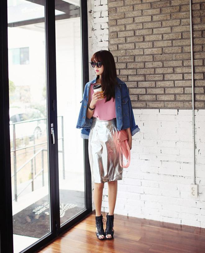 Công thức mặc áo thun tank-top đẹp theo dáng người cho các bạn nữ - hình 15 - zeeuni.com