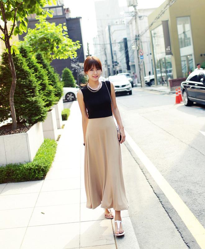 Công thức mặc áo thun tank-top đẹp theo dáng người cho các bạn nữ - hình 7 - zeeuni.com