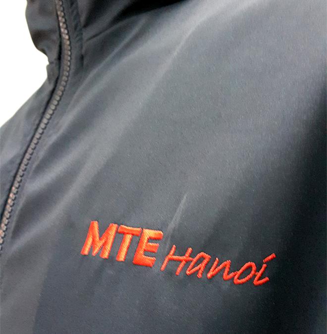 Đồng phục áo khoác của công ty Microsoft - hình 4 - zeeuni.com/may-ao-khoac-dong-phuc