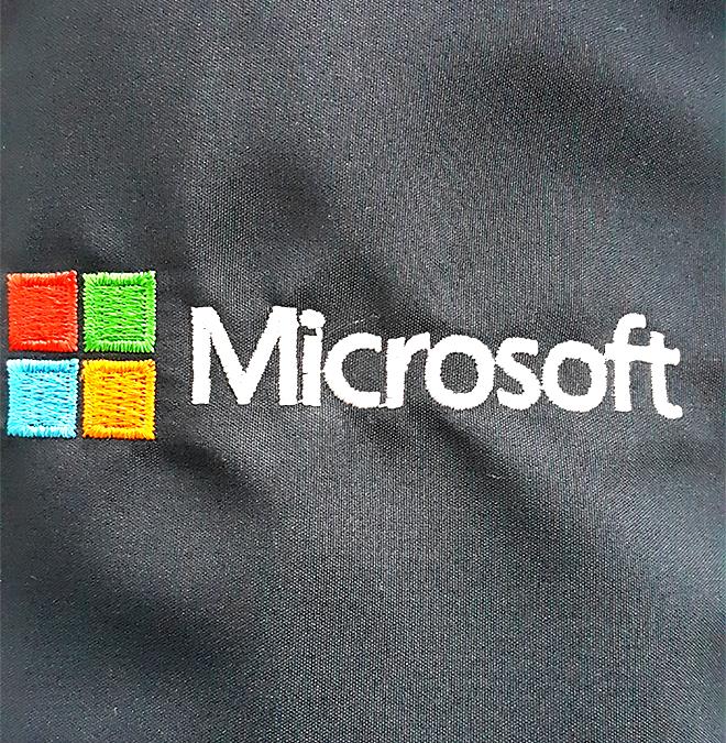 Đồng phục áo khoác của công ty Microsoft - hình 5 - zeeuni.com/may-ao-khoac-dong-phuc