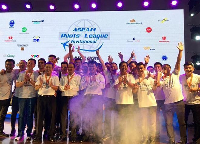 Đồng phục áo thun sự kiện Asean Pilots' League - hình 10 - zeeuni.com