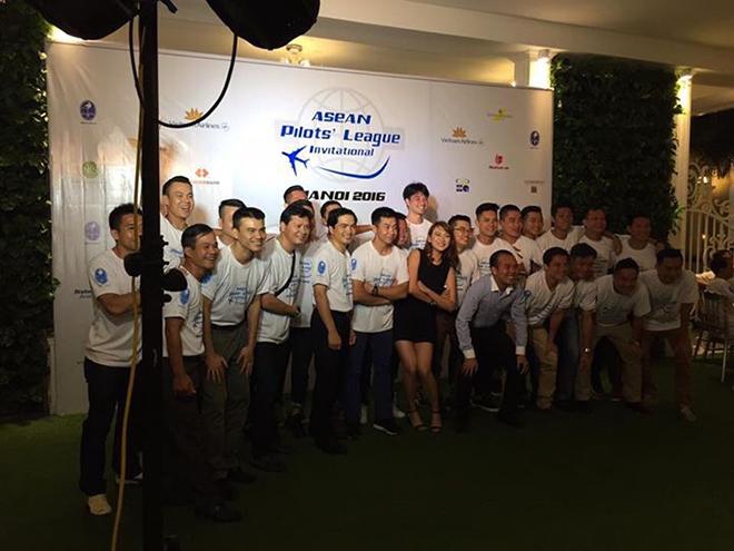 Đồng phục áo thun sự kiện Asean Pilots' League - hình 12 - zeeuni.com