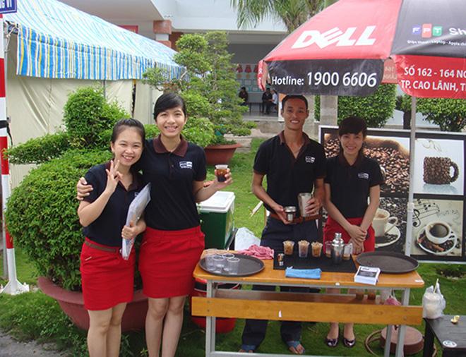 Đồng phục quán cafe đẹp hợp thời trang may ở đâu thì uy tín - 4 - zeeuni.com