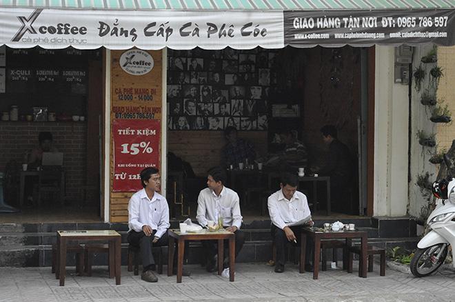 Đồng phục quán cafe đẹp hợp thời trang may ở đâu thì uy tín - 1 - zeeuni.com