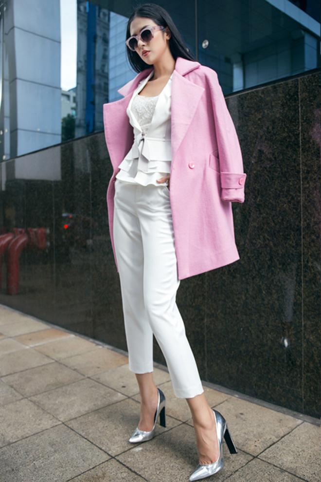 Gợi ý mặc áo khoác măng tô đẹp của Ngọc Hân vào những ngày se lạnh - hình 10 -zeeuni.com