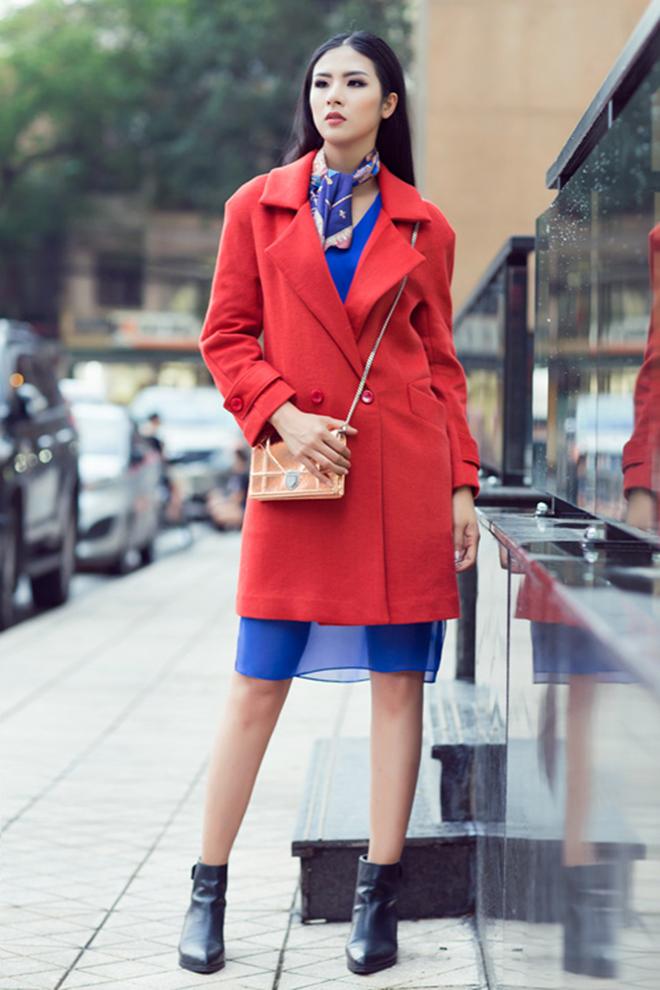 Gợi ý mặc áo khoác măng tô đẹp của Ngọc Hân vào những ngày se lạnh - hình 15 -zeeuni.com
