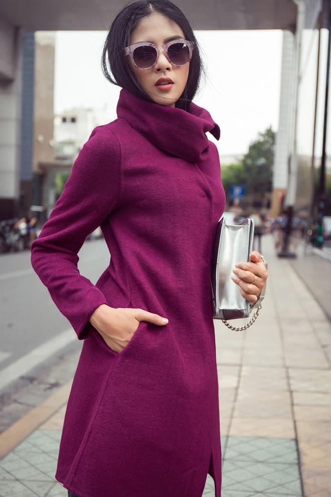 Gợi ý mặc áo khoác măng tô đẹp của Ngọc Hân vào những ngày se lạnh - hình 4 -zeeuni.com