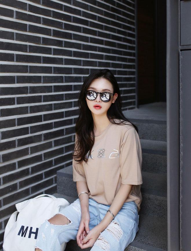 Mặc áo thun đẹp dành cho nữ - hình 20 - zeeuni.com