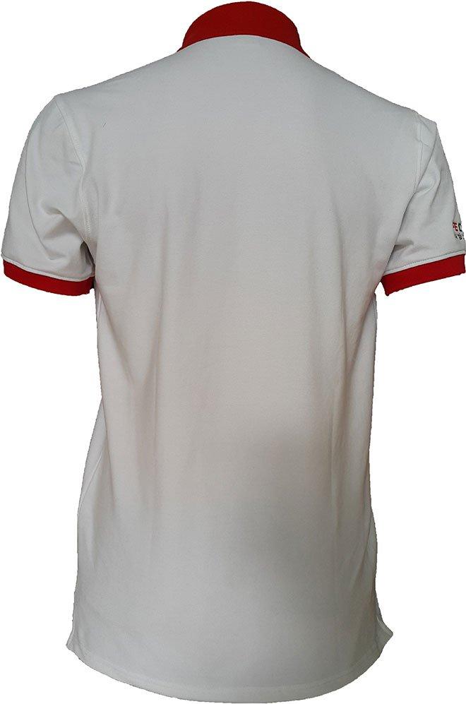 Form áo phía sau lưng của FE CREDIT.