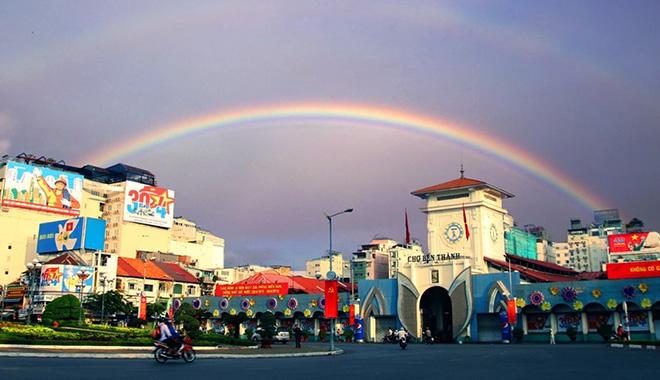 Chợ Bến Thành địa điểm mua sắm, ăn uống nổi tiếng của TP.HCM