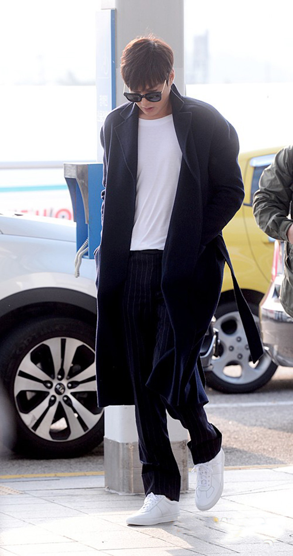 Thời trang sân bay của Lee Min Ho