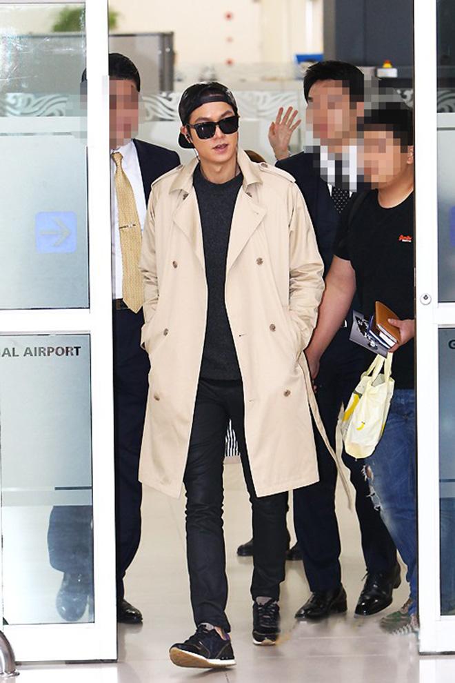 Phong cách thời trang thu đông của Lee Min Ho luôn đi kèm với áo thun - hình 3