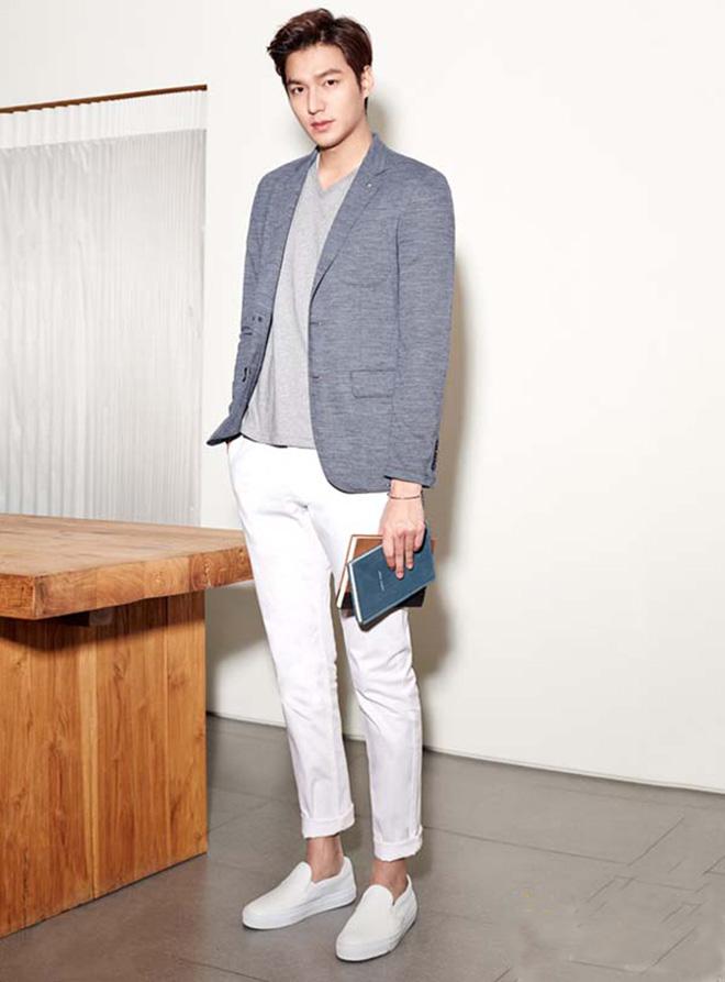 Phong cách thời trang thu đông của Lee Min Ho luôn đi kèm với áo thun - hình 5