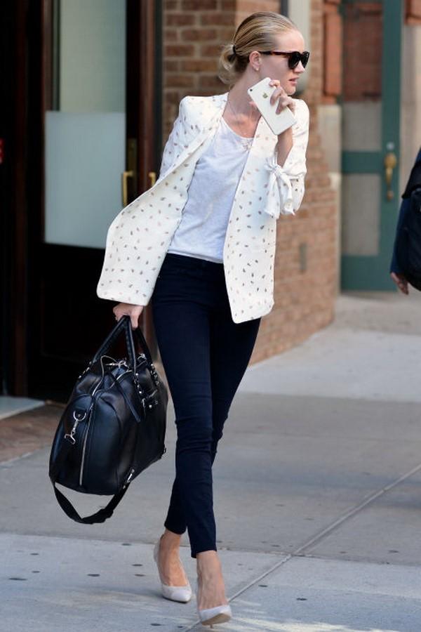 Phối quần jean với áo thun trắng - hình 13 - zeeuni.com