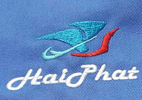 Thêu áo đồng phục tại Bình Dương logo Hải Phát.