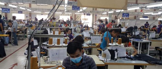 Xưởng may áo khoác theo yêu cầu - hình 1 - zeeuni.com