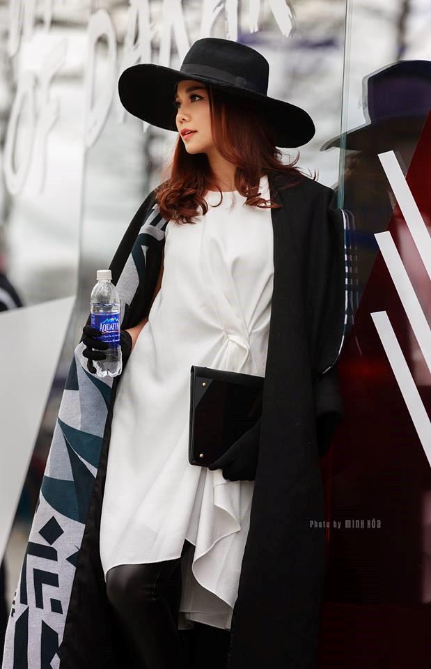 Cùng xuống phố sành điệu với bộ sưu tập áo khoác của Thanh Hằng - hình 9 - zeeuni.com